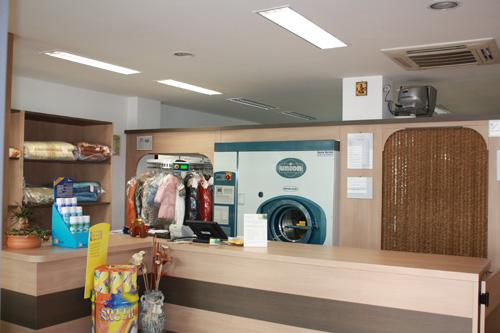 Aprire una lavanderia a secco con macchinari di qualit secco service - Accessori lavanderia casa ...